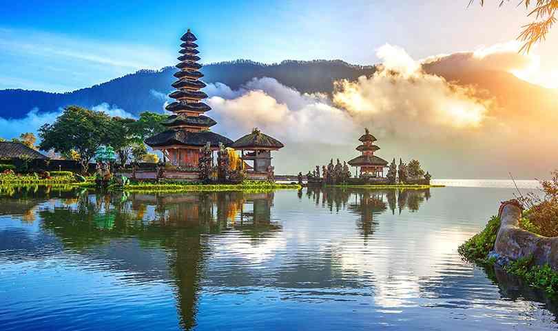 ทัวร์อินโดนีเซีย มหัศจรรย์ มหาสถูปพุทธที่ใหญ่ที่สุดในโลก บุโรพุทโธ 5 วัน 3 คืน