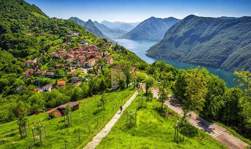 ทัวร์ยุโรป Best of Swiss เที่ยวเมืองชาฟเฮาเซ่น น้ำตกไรน์ ปราสาทชิลยอง 8วัน 5คืน