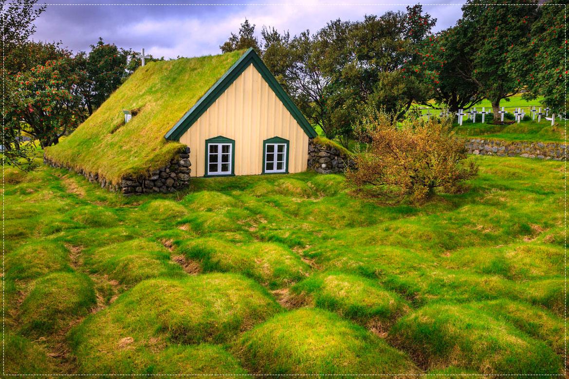 โบสถ์หญ้า Hofskirkja