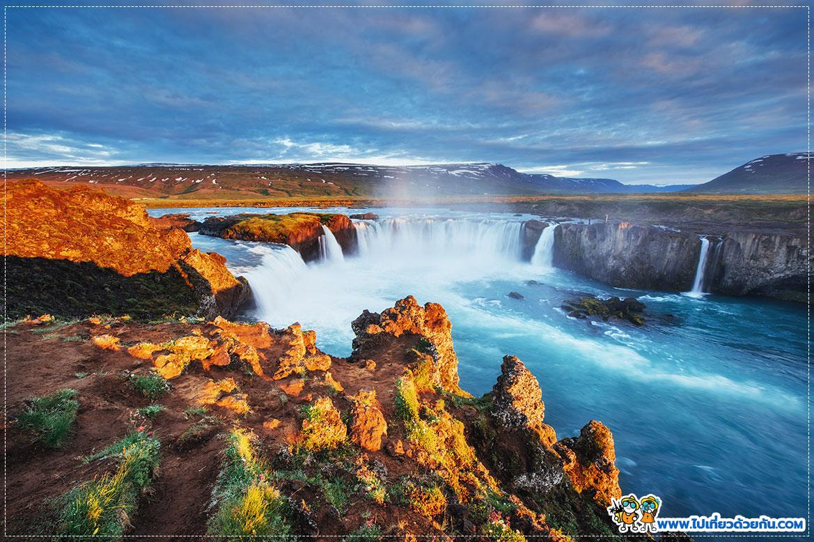 น้ำตก Goðafoss