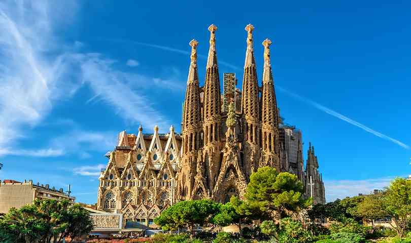 ทัวร์ยุโรป สเปน Hello Barcelona ชม โบสถ์ซากราดา แฟมิเลีย 7วัน 4คืน
