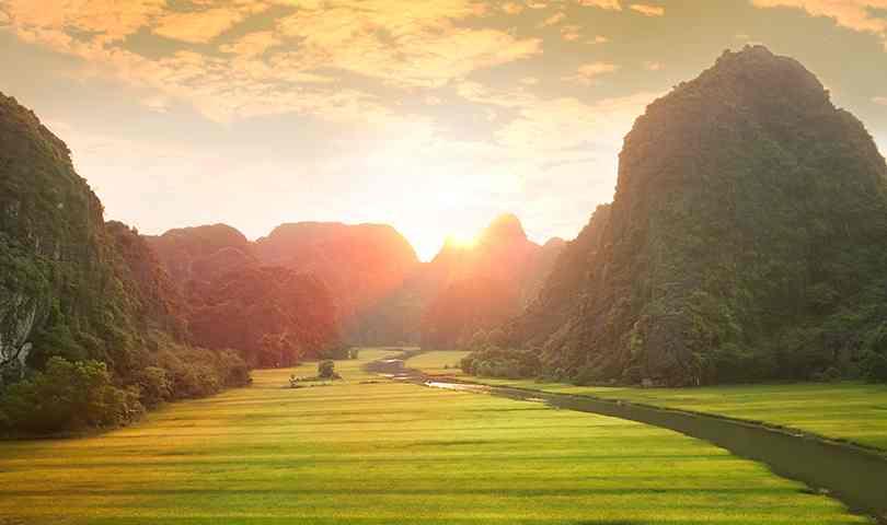 ทัวร์เวียดนามเหนือ ชมหมู่บ้านกั๊ตกั๊ต ช้อปปิ้วแบบจุใจ ถนนสาย 36 4 วัน 3 คืน