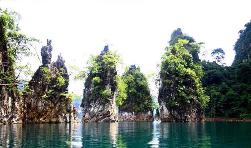 ทัวร์ชุมพร ดำน้ำดูประการัง นอนแพ ชมเขาสามเกลอ  สุราษฎร์ธานี 4 วัน 2 คืน