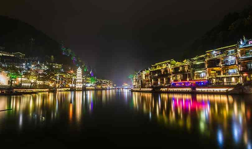 ทัวร์จีน จางเจียเจี้ย เขาอวตาร ถ้ำประตูสวรรค์ ล่องเรือชมเมืองเฟิ่งหวง 6 วัน 5 คืน