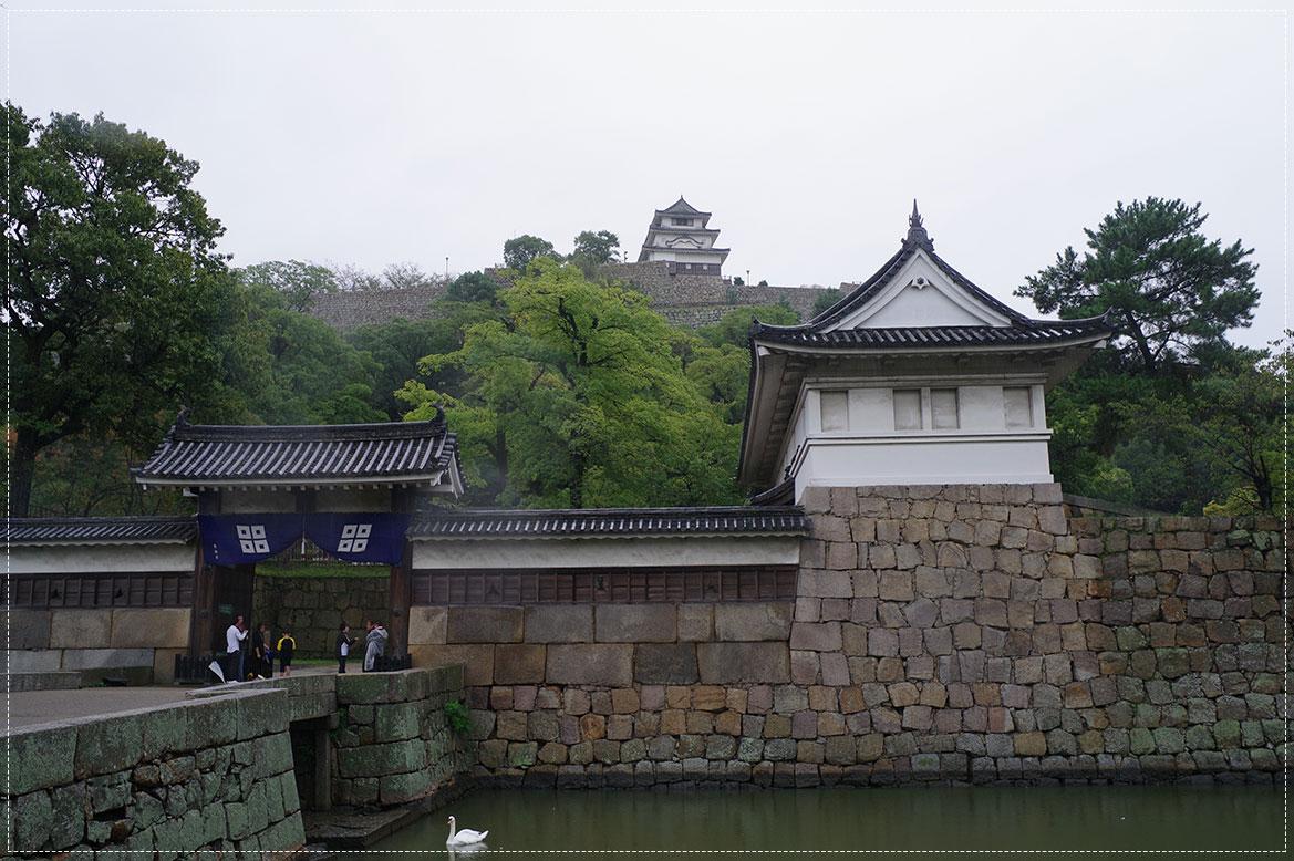 - ปราสาทมารุกาเมะ (Marugame Castle) -