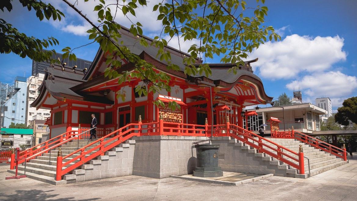 - ศาลเจ้าฮานะโซโนะ อินาริ Hanazono Inari Shrine -