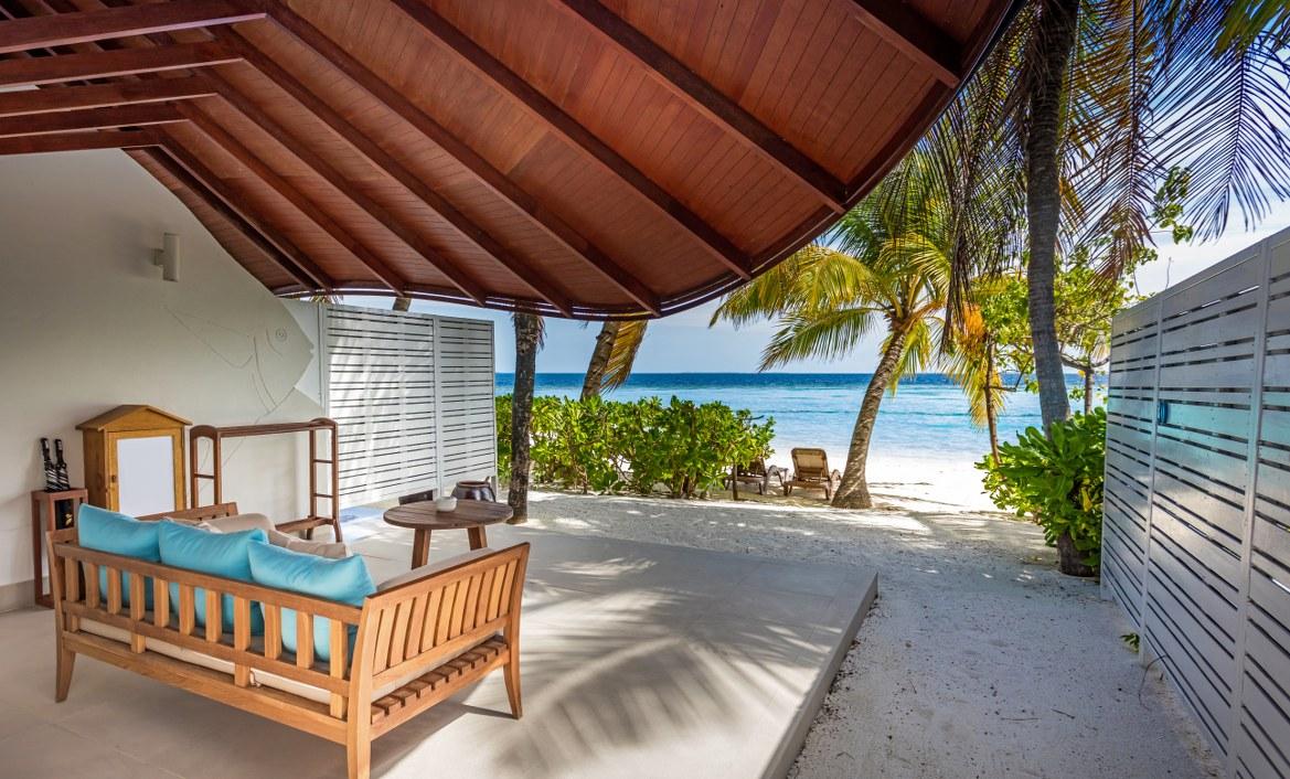 - ห้องพักแบบ Beach Suite เซ็นทารา แกรนด์ ไอส์แลนด์ รีสอร์ท แอนด์สปา -