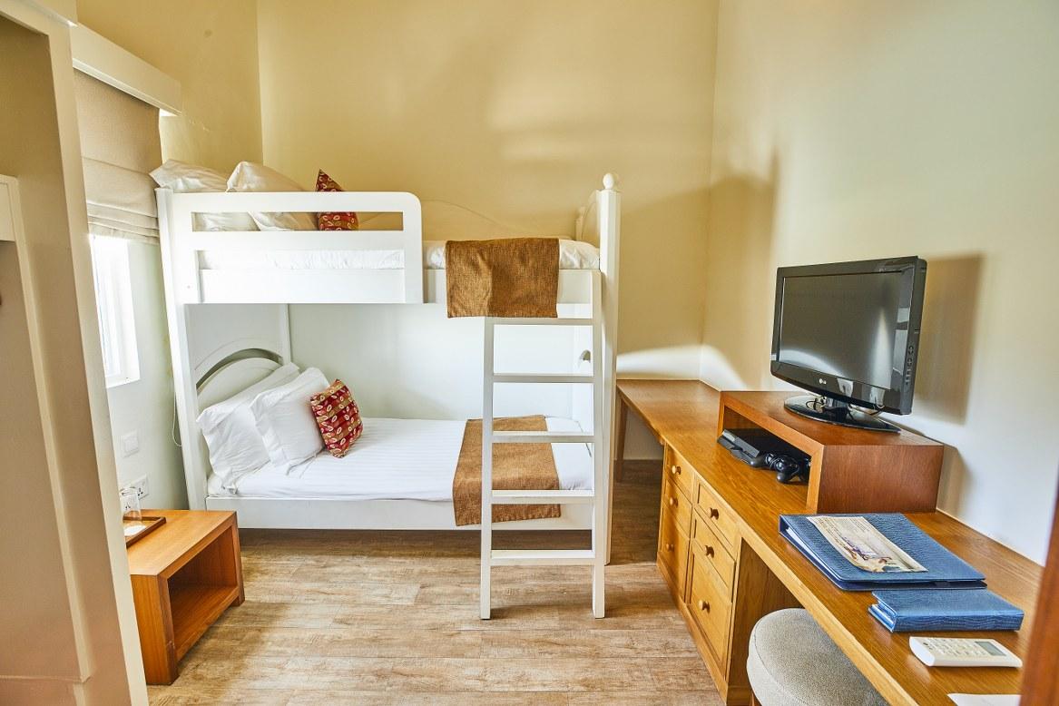 - ห้องพักแบบ Deluxe Family Water Villa เซ็นทาราแกรนด์ไอส์แลนด์รีสอร์ทและสปา มัลดีฟส์ -