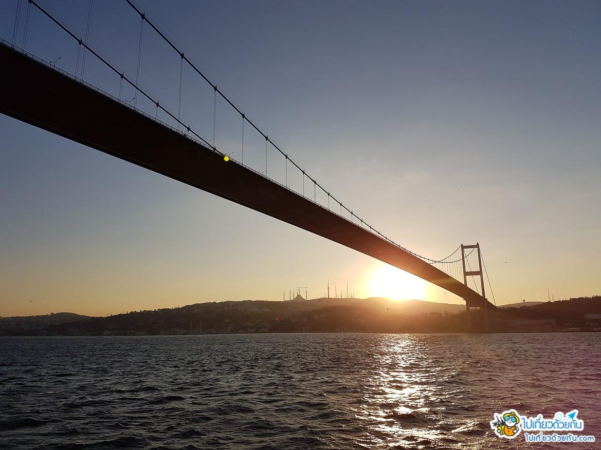 - ล่องเรือชมช่องแคบบอสฟอรัส ข้อมูลเที่ยวตุรกี -