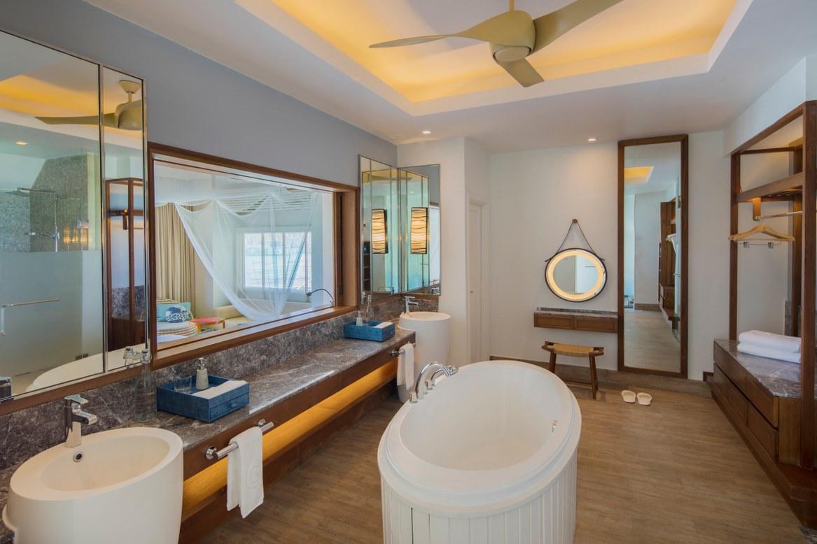 - ห้องพักแบบ Sunset Ocean Pool Villa เซ็นทารา แกรนด์ ไอส์แลนด์ รีสอร์ท แอนด์สปา มัลดีฟส์  -