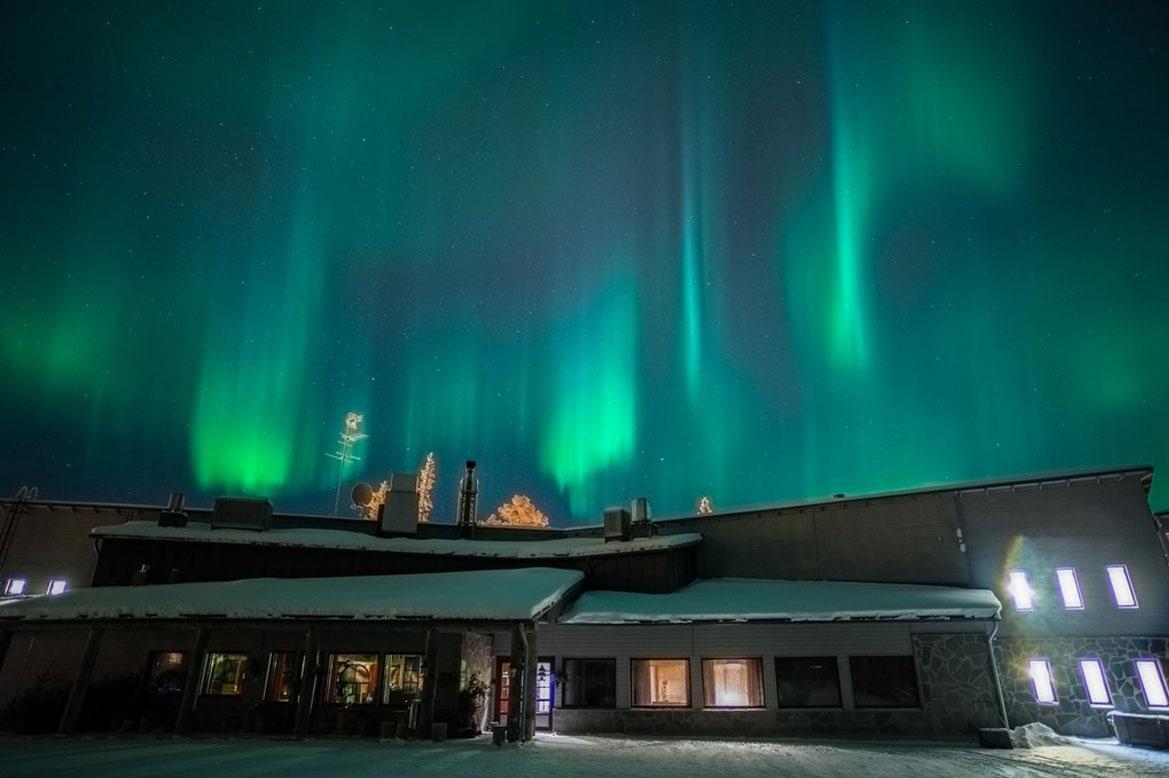 - จุดดูแสงเหนือฟินแลนด์ Hotel Aurora -
