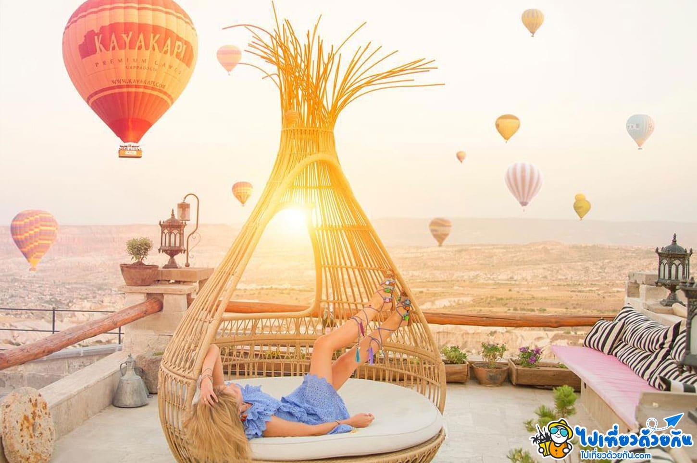 เที่ยวตุรกี นอนโรงแรมดูบอลลูนยามเช้าสวยที่สุดใน อุชิซ่าร์ คัปปาโดเกีย ประเทศตุรกี