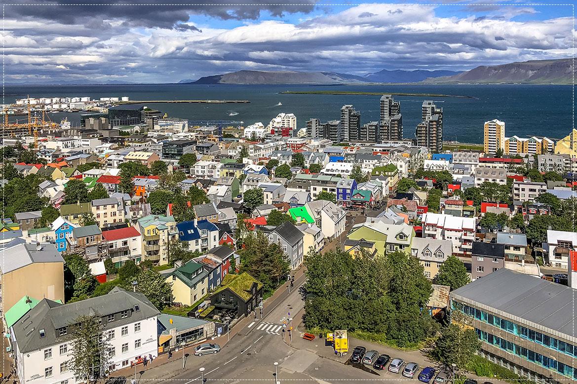 - เดินทางไปเที่ยวชมเมืองหลวงของประเทศไอซ์แลนด์ -