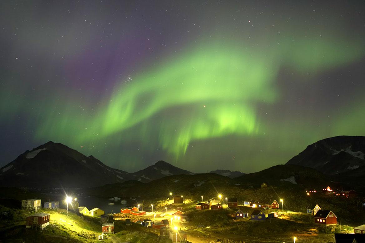 - ดูแสงเหนือประเทศกรีนแลนด์ -