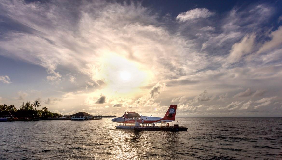 - การใช้บริการ seaplane ไป เซ็นทารา แกรนด์ ไอส์แลนด์ รีสอร์ท แอนด์สปา มัลดีฟส์  -