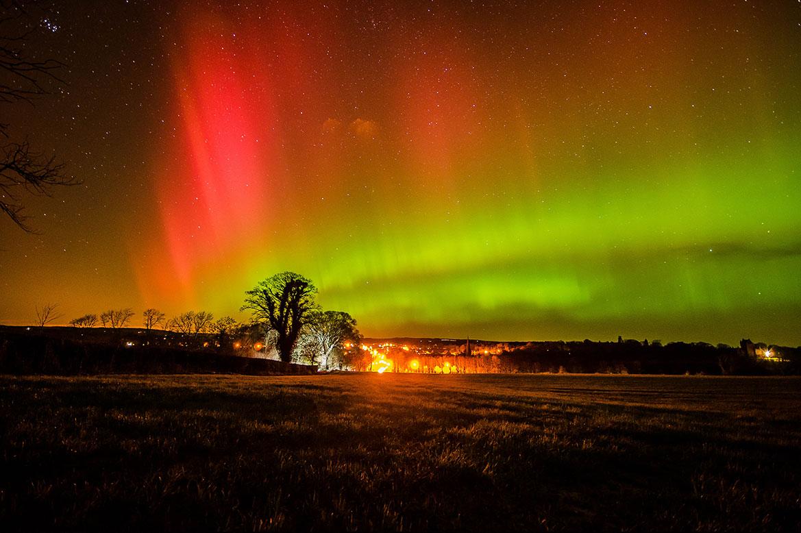 - ดูแสงเหนือประเทศสก๊อตแลนด์ -