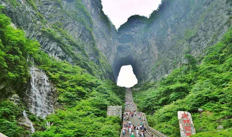 ทัวร์จีน จางเจียเจี้ย สะพานแก้วที่ยาวที่สุดในโลก เทียนหมิงซาน ฟุ่งหวง ฉางซา 6 วัน 5 คืน